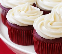 """Red Velvet Cupcakes with Cream Cheese Feature,"" from Gimme Some Oven, via Make It Like a Man!"