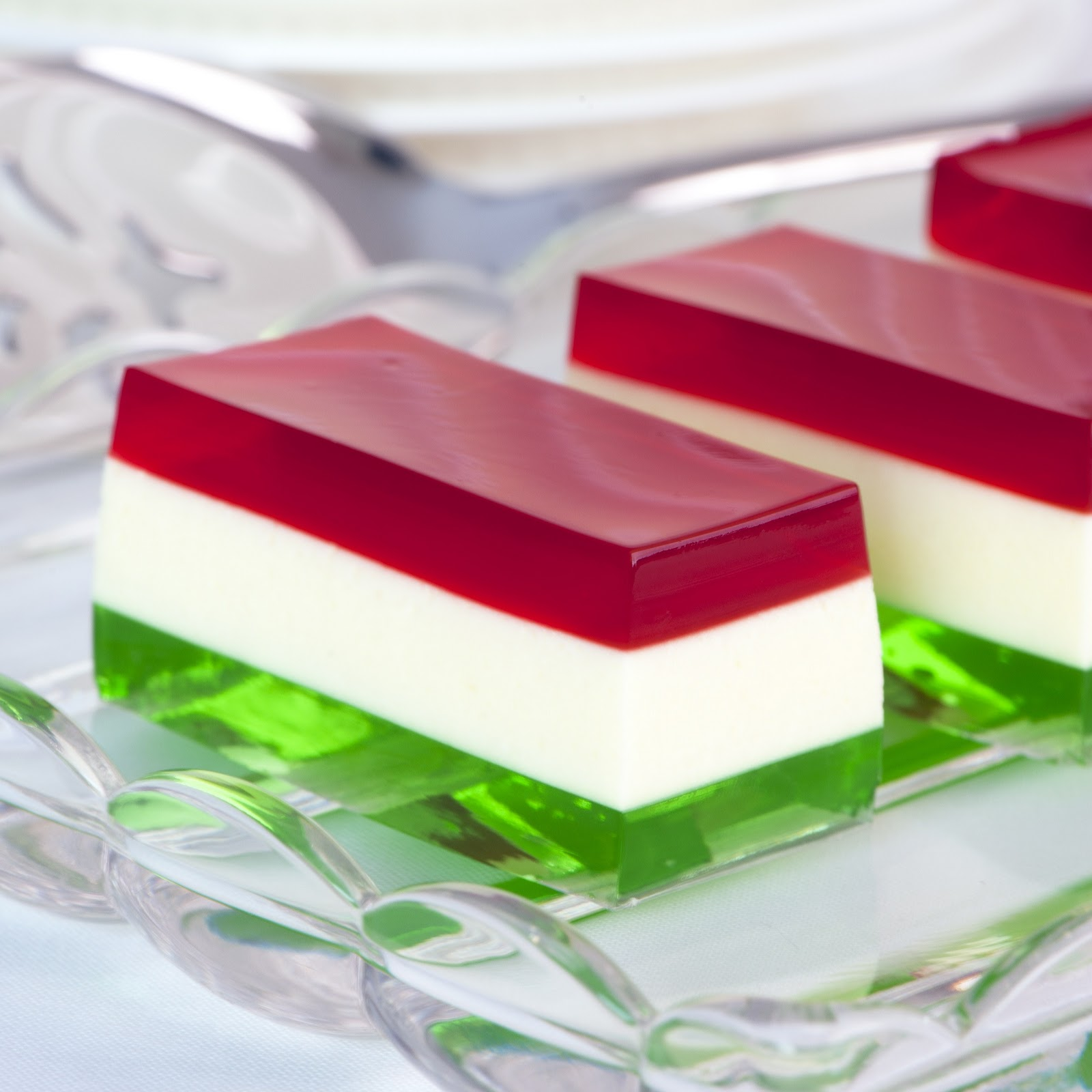 Vodka Jell-O Christmas Party Dessert: Ride The Wild Red
